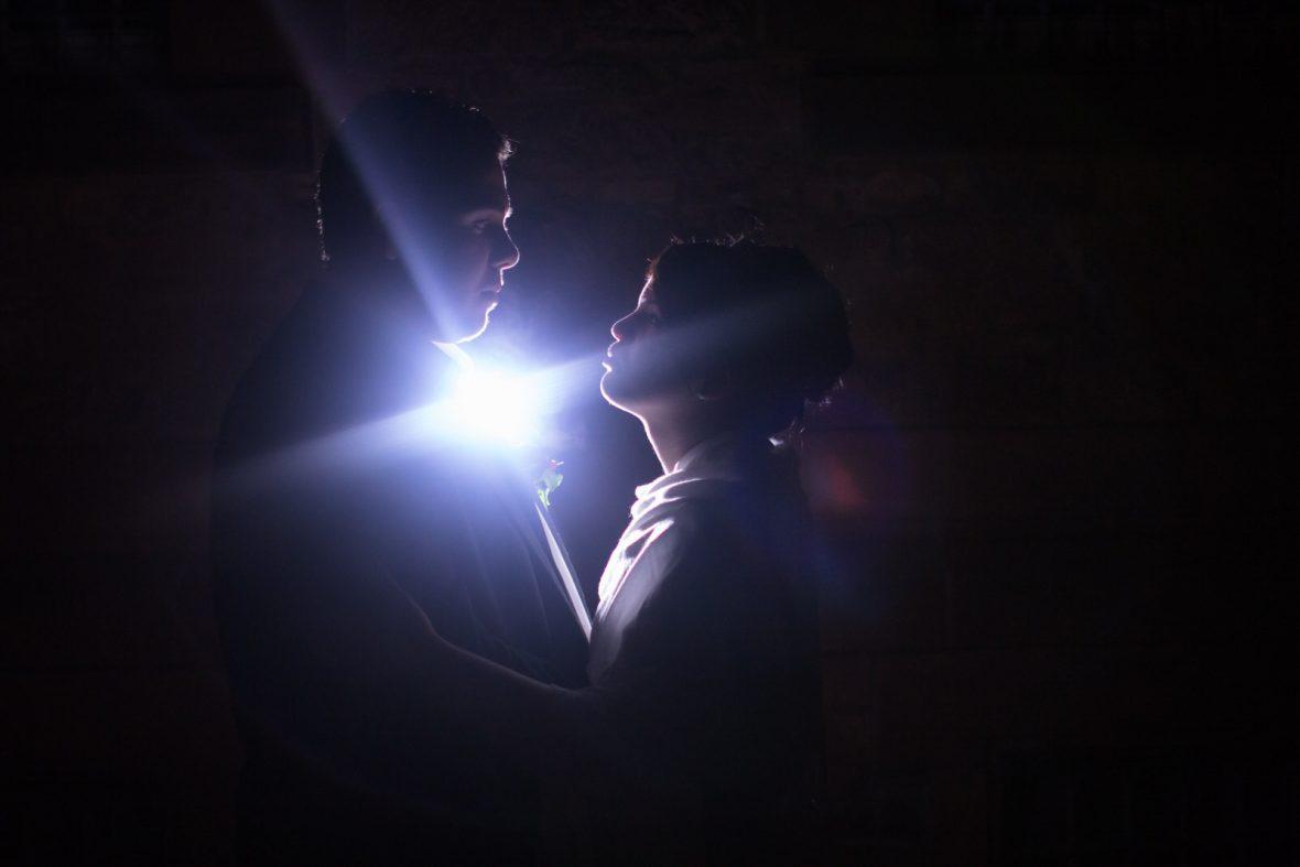 Foto vom Brautpaar bei einer Hochzeit im Schloss Philippsruhe in Hanau fotografiert von Hochzeitsfotograf Steven Herrschaft aus Wiesbaden