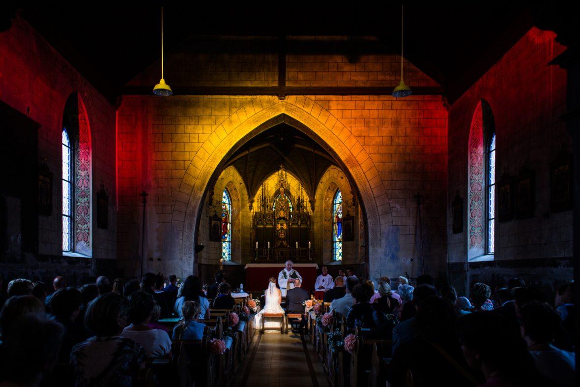 Kirchliche Trauung auf einer Biker-Hochzeit in Marienhof Fecher in Niedernberg fotografiert von Hochzeitsfotograf Steven Herrschaft aus Wiesbaden