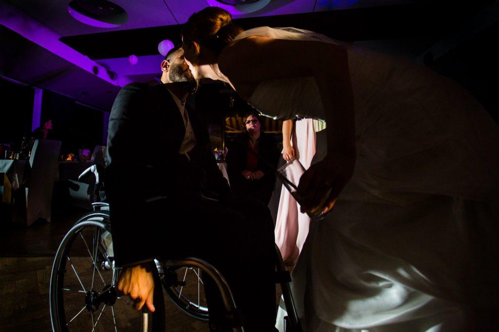 Braut und Bräutigam Rollstuhl