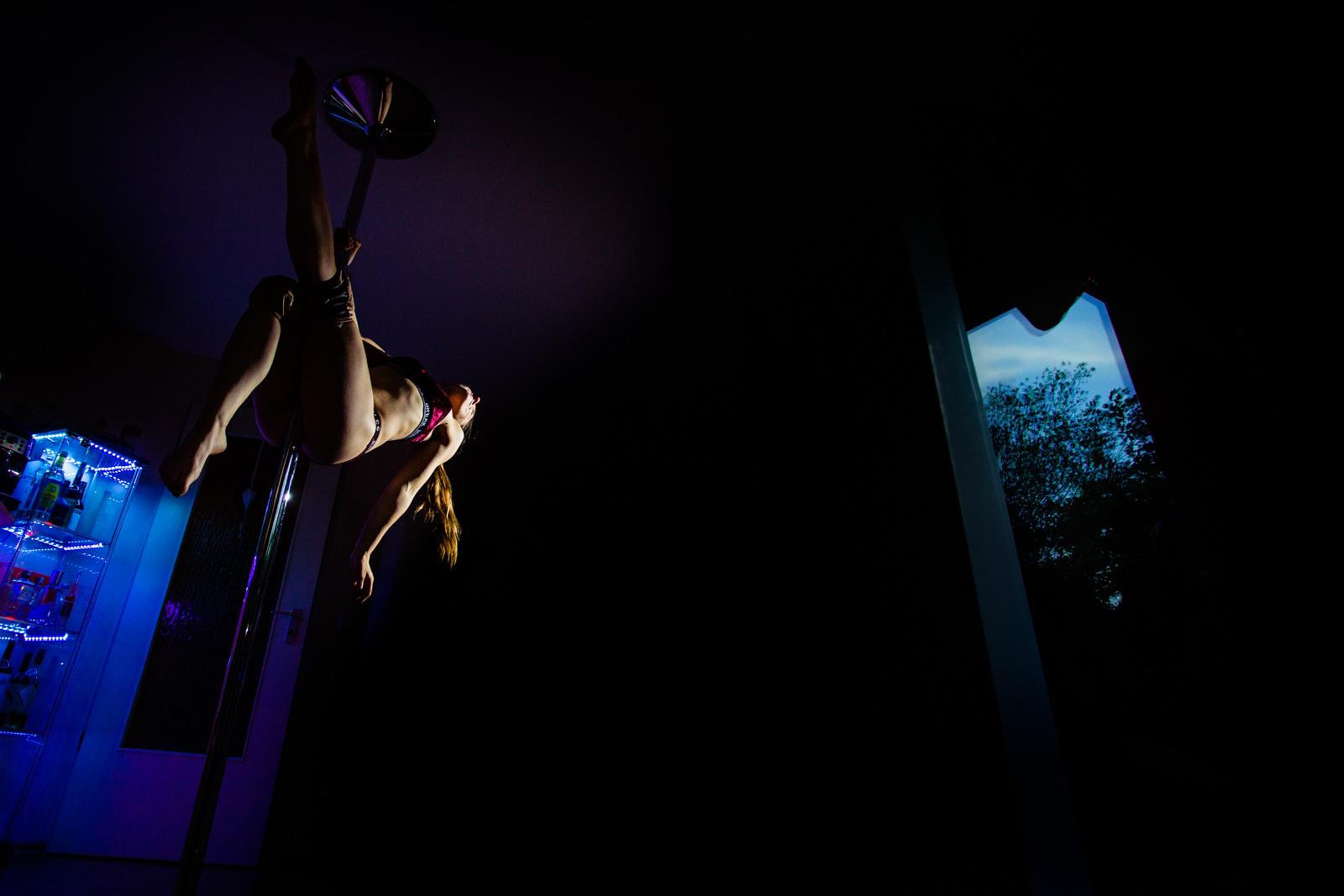 Einlage der Gäste bei freier Trauung von Trautante Friederike Delong bei einer Gartenhochzeit in Hamburg fotografiert von Hochzeitsfotograf Steven Herrschaft aus Wiesbaden